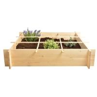 Potager en carré en bois